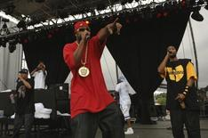 Wu-Tang Clan performs at Virgin Festival at Pimlico Race Course in Baltimore, Maryland August 5, 2007. The two-day concert is now in its second year.  REUTERS/Bill Auth