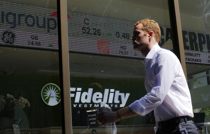 Fidelity drops credit card partners American Express, Bank