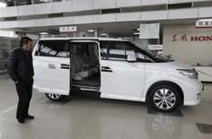 Honda a vendu plus d'un million de véhicules en Chine l'an dernier, dépassant ainsi son objectif initial, fixé à 950.000 unités. /Photo d'archives/REUTERS/Jason Lee