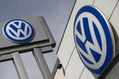 The logos of German carmaker Volkswagen is seen at a VW dealership in the Queens borough of New York, September 21, 2015. Volkswagen shares plunged more than 20 percent on Monday, their biggest ever one-day fall, after news that the German carmaker had rigged U.S. emissions tests, and Germany said it would investigate whether data had been falsified in Europe too. REUTERS/Shannon Stapleton - RTX1RQCU