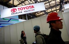 Toyota et ses coentreprises en Chine visent des ventes de 1,15 million de véhicules dans le pays cette année, ce qui représenterait une croissance de 2,7% par rapport à 2015. /Photo d'archives/REUTERS/Carlos Barria