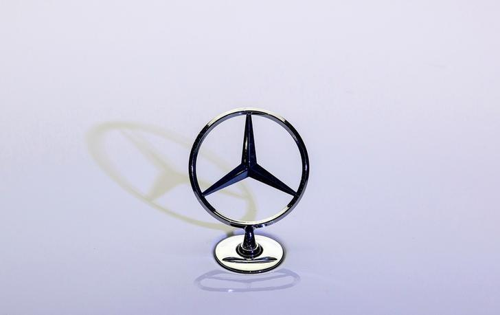 Mercedes Pulls Ahead Of Audi In Race To Top Bmw Sales Reuters