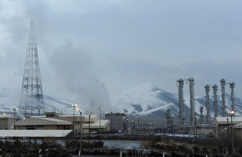 Iran says it has removed core from Arak reactor in key nuclear deal step