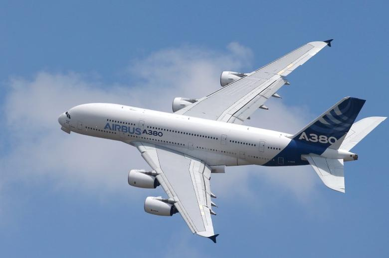 An Airbus A380, the world's largest jetliner, participates in a flying display during the 51st Paris Air Show at Le Bourget airport near Paris, June 15, 2015. REUTERS/Pascal Rossignol