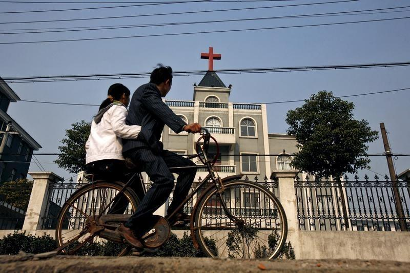 China Authorities Raid Underground Catholic Church in Hebei Province, Detain Two Priests and Several Seminarians and Nuns