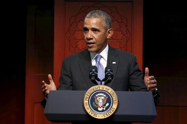2月3日、オバマ米大統領は、来週9日に議会に提出する2017会計年度(2016年10月─2017年9月)の予算教書で、連邦政府職員の給与の1.6%引き上げを提案する見通し。メリーランド州で撮影(2016年 ロイター/Jonathan Ernst)