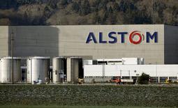 Les ministères des Finances et de l'Economie ont annoncé lundi l'entrée en vigueur des accords avec Bouygues permettant à l'Etat d'exercer des droits de vote à hauteur de 20% du capital d'Alstom. /Photo prise le 15 janvier 2016/REUTERS/Arnd Wiegmann