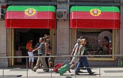 Le PIB du Portugal a crû de 0,2% au quatrième trimestre, soit moins que prévu, après une croissance nulle les trois mois précédents, donnant pour l'ensemble de l'année 2015 une croissance de 1,5%, /Photo d'archives/REUTERS/Jose Manuel Ribeiro