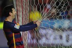 Messi durante jogo do Barcelona contra Sporting Gijón.  17/02/16.  REUTERS/Eloy Alonso