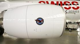 United Technologies, fabricant entre autres des moteurs d'avion Pratt & Whitney, et Honeywell ont engagé des discussions en vue d'une fusion, ce qui pourrait donner naissance à un groupe pesant plus de 90 milliards de dollars (81,71 milliards d'euros) de chiffre d'affaires, selon CNBC. /Photo d'archives/ REUTERS/Arnd Wiegmann