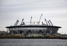 Vista da Zenit Arena no estádio de São Petersburgo que está sendo construído para a Copa do Mundo de 2018.  26/7/2015.  REUTERS/Stringer