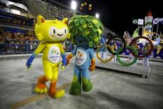 Mascotes dos Jogos Rio 2016 no Sambódromo. 07/02/2016  REUTERS/Pilar Olivares