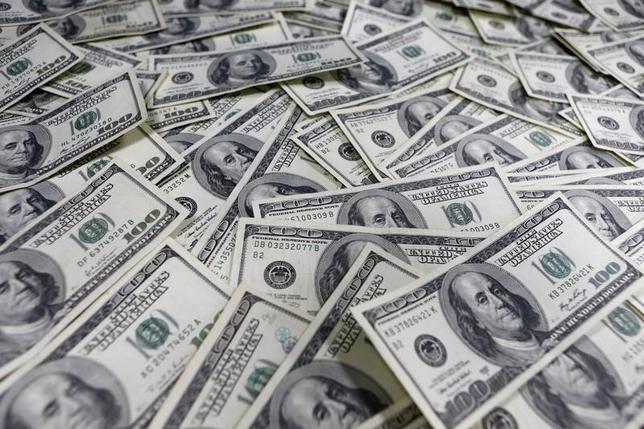 3月3日、正午のドル/円は、前日ニューヨーク市場午後5時時点に比べてドル高/円安の113.74/76円だった。写真はソウルで2013年1月撮影(2016年 ロイター/Lee Jae Won)