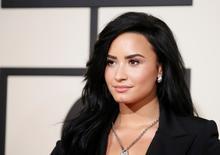 Cantora Demi Lovato chega para cerimônia do Grammy em Los Angeles. 15/02/2016 REUTERS/Danny Moloshok