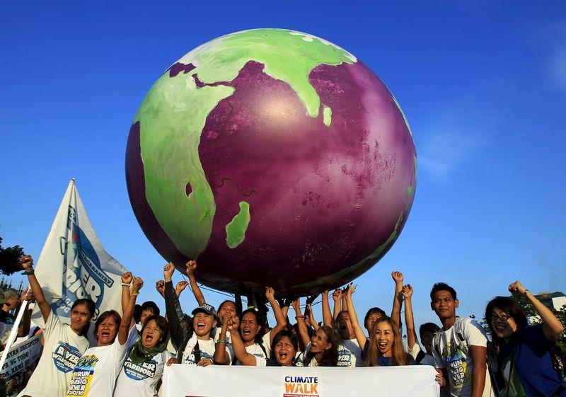 Philippines signs new GMO rules, food industry relieved