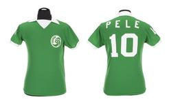 "A green Umbro brand New York Cosmos football jersey number ""10"" worn by Pele during the 1976 North American Soccer League (NASL) season is shown in this handout image released on March 8, 2016.   REUTERS/Julien's Auctions/Handout via Reuters"