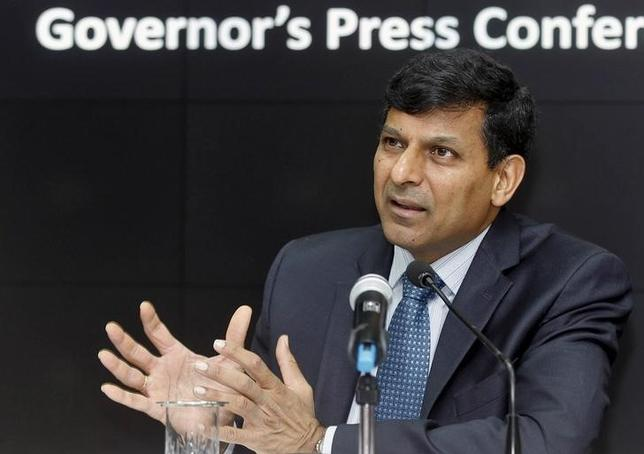 Reserve Bank of India (RBI) Governor Raghuram Rajan speaks during a news conference in Mumbai, December 1, 2015. REUTERS/Shailesh Andrade/Files