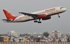 An Air India passenger plane takes off from Sardar Vallabhbhai Patel International Airport in the western Indian city of Ahmedabad January 30, 2013. REUTERS/Amit Dave