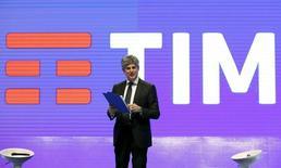 Telecom Italia annonce lundi que son administrateur délégué, Marco Patuano, a présenté sa démission. /Photo prise le 13 janvier 2016/REUTERS/Remo Casilli