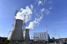 """АЭС """"Тианж"""" в Бельгии. 25 января 2016 года. С атомных электростанций """"Тианж"""" и """"Дул"""" в Бельгии эвакуирована часть персонала после запроса властей страны; АЭС продолжают работу, сообщил оператор станций французская компания Engie. REUTERS/Eric Vidal"""