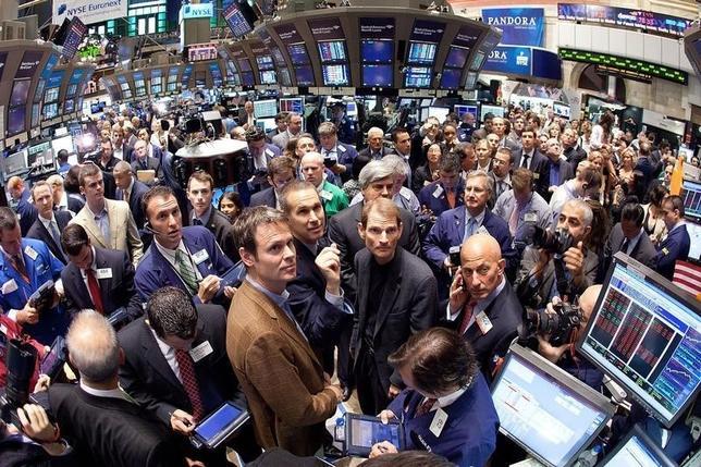 Tim Westergren (bottom center-left) on the floor of the New York Stock Exchange June 15, 2011.  REUTERS/Ben Hider-NYSE Euronext