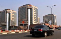 A view of the government-owned Nigerian National Petroleum Corporation in Abuja is seen in this January 14, 2010 file photo.  REUTERS/Afolabi Sotunde/Files