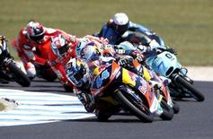 KTM Moto3 rider Miguel Oliveira of Portugal (44) rides on his way to winning the Australian Grand Prix on Phillip Island, October 18, 2015. REUTERS/Brandon Malone