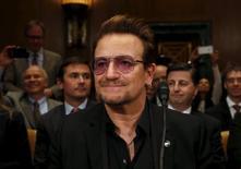 Bono no Senado dos EUA.  12/4/2016. REUTERS/Yuri Gripas