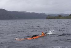 """En la imagen, el robot submarino Munin explora el Lago Ness en Escocia. 13 abril 2016. Un drone marino de última generación que intenta encontrar en las profundidades del Lago Ness a una de las bestias más escurridizas de la naturaleza halló un """"monstruo"""", pero no al que estaba buscando. REUTERS/Russell Cheyne"""
