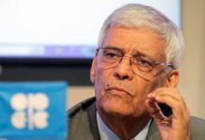 El secretario general de la OPEP, Abdullah El-Badri, durante una conferencia de prensa en Viena. 27 de junio de 2011. El mercado petrolero empezará a equilibrarse de nuevo en el tercer trimestre de este año y se tornará positivo al 2017, pese a que los principales productores mundiales no alcanzaron un acuerdo para congelar el bombeo tras su reunión el domingo en Doha, dijo el jueves en París el secretario general de la OPEP. REUTERS/Herwig Prammer