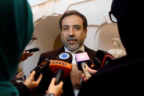 Iran nuclear deal fight threatens Senate spending bill