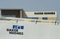 La sede de Baker Hughes, en Williston, Dakota del Norte. 30 de abril de 2016. Baker Hughes tiene planes de recomprar 1.500 millones de dólares en acciones y 1.000 millones de dólares en deuda, para lo que utilizará la compensación que recibirá tras el colapso del acuerdo de compra por parte del proveedor de servicios a la industria petrolera Halliburton Inc. REUTERS/Andrew Cullen