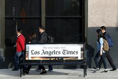 L'éditeur de presse américain Tribune Publishing, qui possède le Los Angeles Times, a annoncé mercredi que son conseil d'administration avait rejeté à l'unanimité l'offre non sollicitée soumise par Gannett, l'éditeur du quotidien USA Today. /Photo prise le 27 avril 2016/REUTERS/Lucy Nicholson