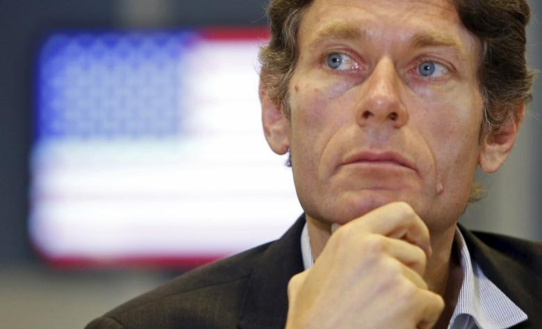 U.S. Assistant Secretary of State for Democracy, Human Rights and Labor Tom Malinowski listens to questions from media during a media briefing at the American Center in Hanoi, Vietnam May 11, 2015.  REUTERS/Kham