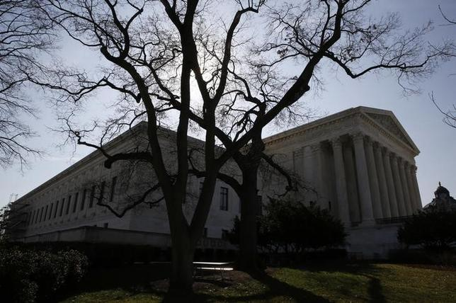 The U.S. Supreme Court building is seen in Washington, March 16, 2016. REUTERS/Jim Bourg/Files