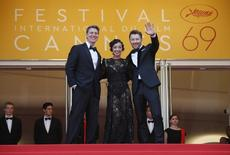 """Director Jeff Nichols (L) poses with cast members Joel Edgerton (R) and Ruth Negga on the red carpet as they arrive for the screening of film """"Loving"""" in competition at the 69th Cannes Film Festival in Cannes, France, May 16, 2016. REUTERS/Jean-Paul Pelissier"""