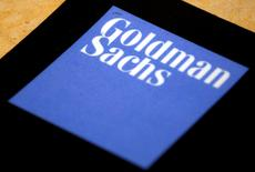 El logo de Goldman Sachs en su oficina en Sídney, Australia. 18 de mayo de 2016. Goldman Sachs elevó el jueves sus pronósticos para el precio del zinc este año y el próximo, citando una demanda más sólida de lo anticipado en China y una estrechez de suministros. REUTERS/David Gray