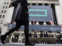 Signs for Hewlett Packard Enterprise Co. cover the facade of the New York Stock Exchange November 2, 2015. REUTERS/Brendan McDermid
