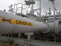 En la imagen, oleoductos de crudo en Freeport, Texas, EEUU, el 9 de junio de  2016. La oferta y la demanda de petróleo se equilibrarán en la segunda mitad del 2016 tras una serie de recortes no planificados de la producción y el mercado se inclinaría hacia un superávit en el primer semestre del 2017, dijo el martes la Agencia Internacional de Energía (AIE). REUTERS/Richard Carson