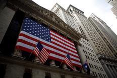 La Bourse de New York a fini en légère hausse mardi après les déclarations de Janet Yellen, la présidente de la Réserve fédérale, écartant le risque d'une récession à court terme aux Etats-Unis. L'indice Dow Jones a gagné 0,14% à 17.829,80 points. /Photo d'archives/REUTERS/Eric Thayer
