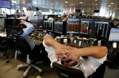 Les banques européennes font face vendredi à une nouvelle tempête financière suite à la décision des Britanniques de sortir de l'Union européenne, une issue qui a pris les investisseurs par surprise et entraîné l'effondrement en Bourse du secteur financier à l'ouverture des marchés. /Photo prise le 24 juin 2016/REUTERS/Russell Boyce