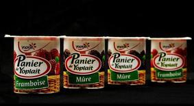 General Mills, le fabricant des yaourts Yoplait, est à suivre à Wall Street mercredi après l'annonce d'une hausse plus forte que prévu de son bénéfice trimestriel en raison de ses efforts de réduction des coûts et d'une progression de la demande pour ses produits en dehors des Etats-Unis.. /Photo d'archives/REUTERS/Jacky Naegelen