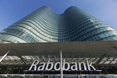 Rabobank a cédé sa filiale Athlon de location d'automobiles à Daimler Financial Services pour 1,1 milliard d'euros. /Photo d'archives/REUTERS/Michael Kooren