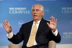 ExxonMobil Chairman and CEO Rex Tillerson speaks during the IHS CERAWeek 2015 energy conference in Houston, Texas April 21, 2015.  REUTERS/Daniel Kramer/File Photo