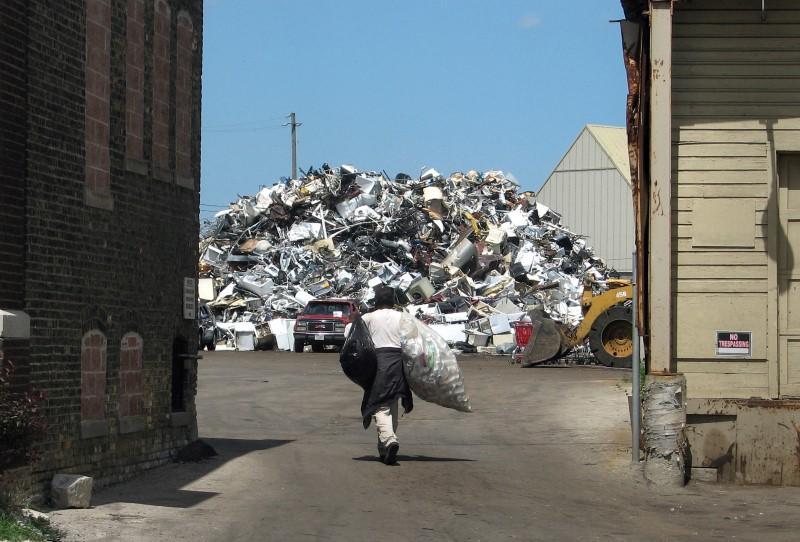 Low scrap metal prices hurting even U S  garbage scavengers