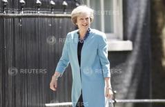 La primera ministra británica, Theresa May, llegando al Palacio de Gobierno en el centro de Londres, July 13, 2016. La nueva primera ministra británica, Theresa May, mostró el jueves su determinación a formar un Gabinete para dirigir la salida de Reino Unido de la Unión Europea, mientras que su ministro de Finanzas afirmó que haría lo que fuera necesario para restaurar la confianza en la economía. REUTERS/Paul Hackett