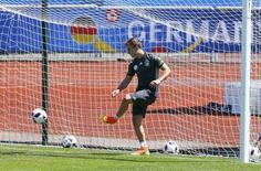 Mario Goetze durante treino da seleção alemã na França.    27/06/2016      REUTERS/Denis Balibouse