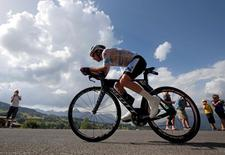 Cycling - Tour de France cycling race - Stage 18 from Sallanches to Megeve, France - 21/07/2016 - ORICA-BikeExchange rider Adam Yates of Britain cycles during the individual time trial.  REUTERS/Jacques Clawey