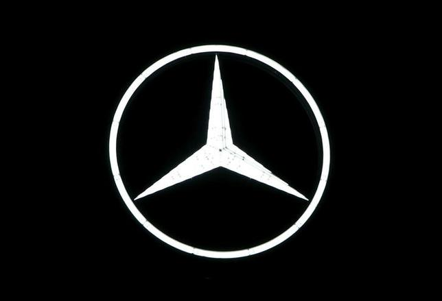The Mercedes-Benz logo is pictured before the company's annual news conference in Stuttgart, Germany, February 4, 2016. REUTERS/Michaela Rehle