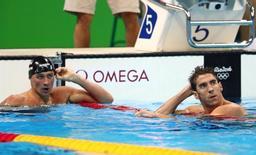 Nadadores Ryan Lochte (esquerda) e Michael Phelps na Rio 2016.      10/08/2016      Rob Schumacher-USA TODAY Sports